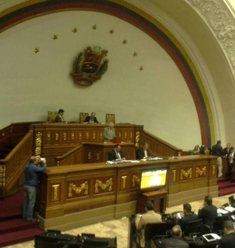 Venezuela: Inician escrutinio manual tras plebiscito sobre Constituyente